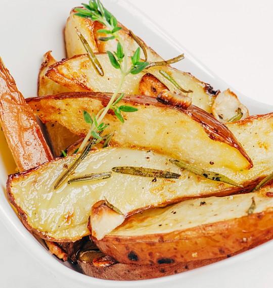 Картофель запеченый с розмарином 150 гр