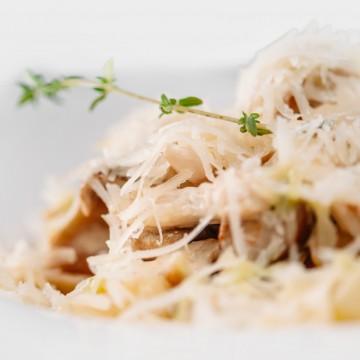 Фетучини с белыми грибами и куриным филе